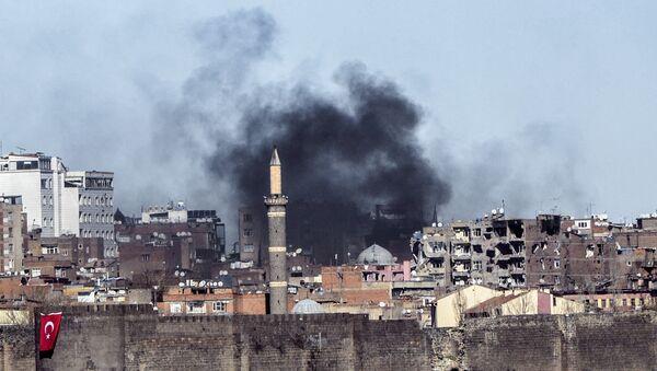 Enfrentamientos entre los kurdos y las fuerzas turcas - Sputnik Mundo