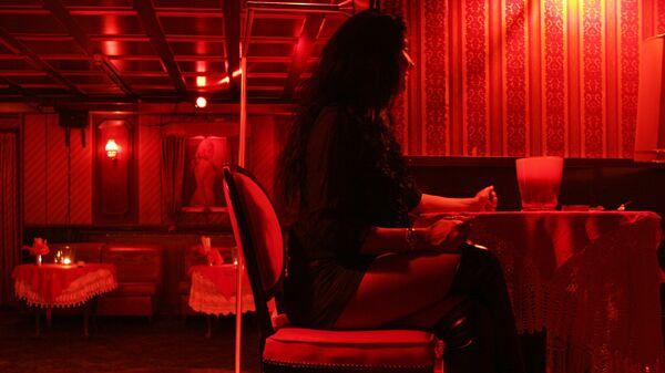 Una prostituta en un burdel en Hamburgo (archivo) - Sputnik Mundo