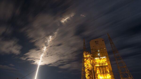 A United Launch Alliance Atlas V rocket carrying Orbital ATK's Cygnus spacecraft - Sputnik Mundo
