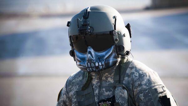 Piloto estadounidense en la base Bondsteel en Kosovo - Sputnik Mundo