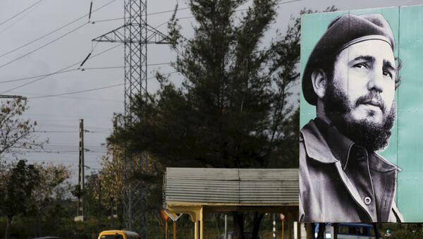 Una imagen de Fidel Castro en las calles de la Habana - Sputnik Mundo