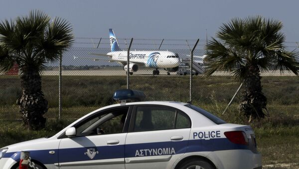 El avión A320 secuestrado . Chipre, el 29 de marzo de 2016 - Sputnik Mundo