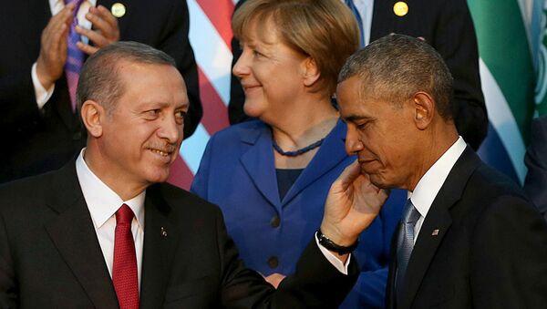 Recep Tayyip Erdogan y Barack Obama (Archivo) - Sputnik Mundo