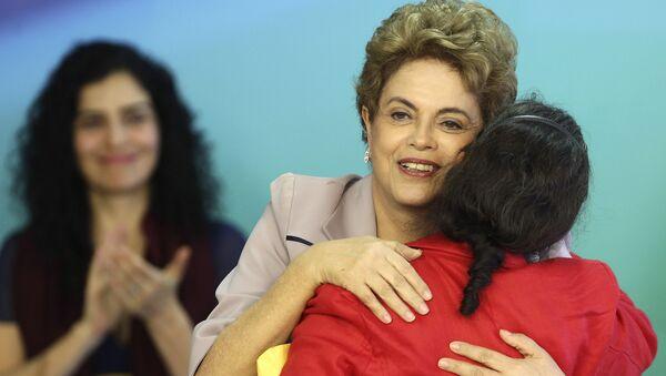 Artistas e intelectuales expresan su apoyo contra el golpe a la presidenta Rousseff - Sputnik Mundo