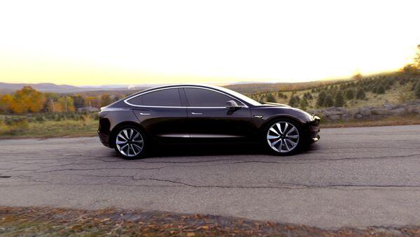 Coche Tesla Model 3 - Sputnik Mundo