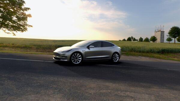 Un coche eléctrico Tesla - Sputnik Mundo
