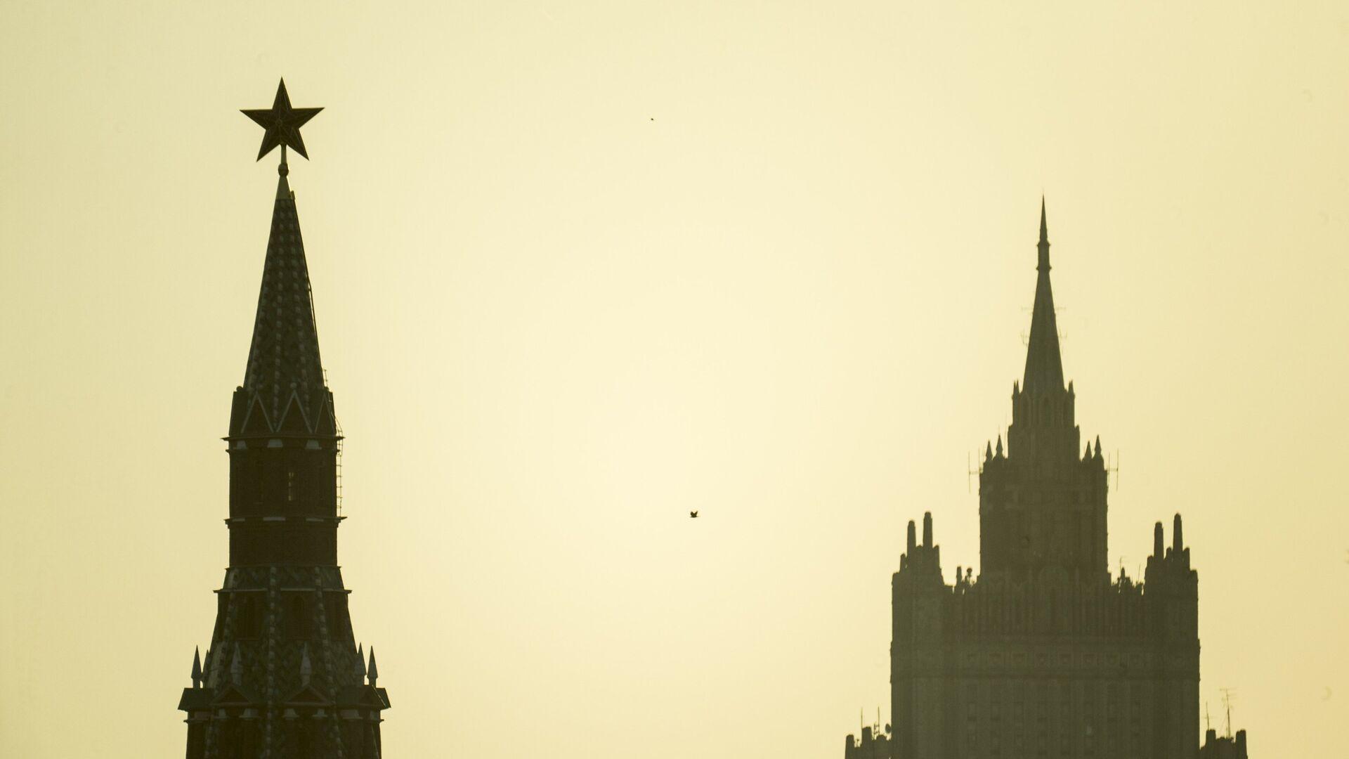 El Kremlin de Moscú y el Ministerio de Asuntos Exteriores  - Sputnik Mundo, 1920, 10.02.2021