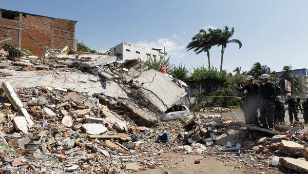 Destrucciones provocadas por el terremoto en Ecuador, abril 17, 2016. - Sputnik Mundo