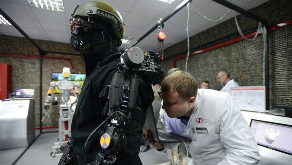 Un robot durante una demostración en la ciudad rusa de Klimovsk - Sputnik Mundo
