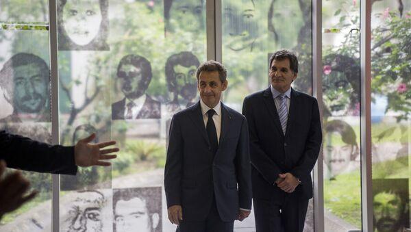 Nicolás Sarkozy junto al secretario de DDHH. Claudio Avruj - Sputnik Mundo