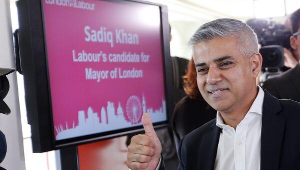 El primer alcalde-musulmán de Londres, Sadiq Khan,  del origen paquistaní (archivo) - Sputnik Mundo