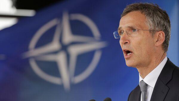 Jens Stoltenberg, el secretario general de la OTAN, durante la inauguración de la base rumana de Deveselu - Sputnik Mundo