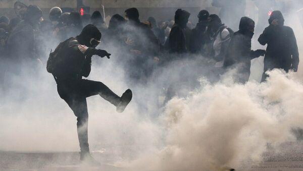Protesta contra la reforma laboral en París - Sputnik Mundo