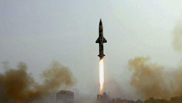 Lanzamiento del misil balístico Prithvi-II (archivo) - Sputnik Mundo
