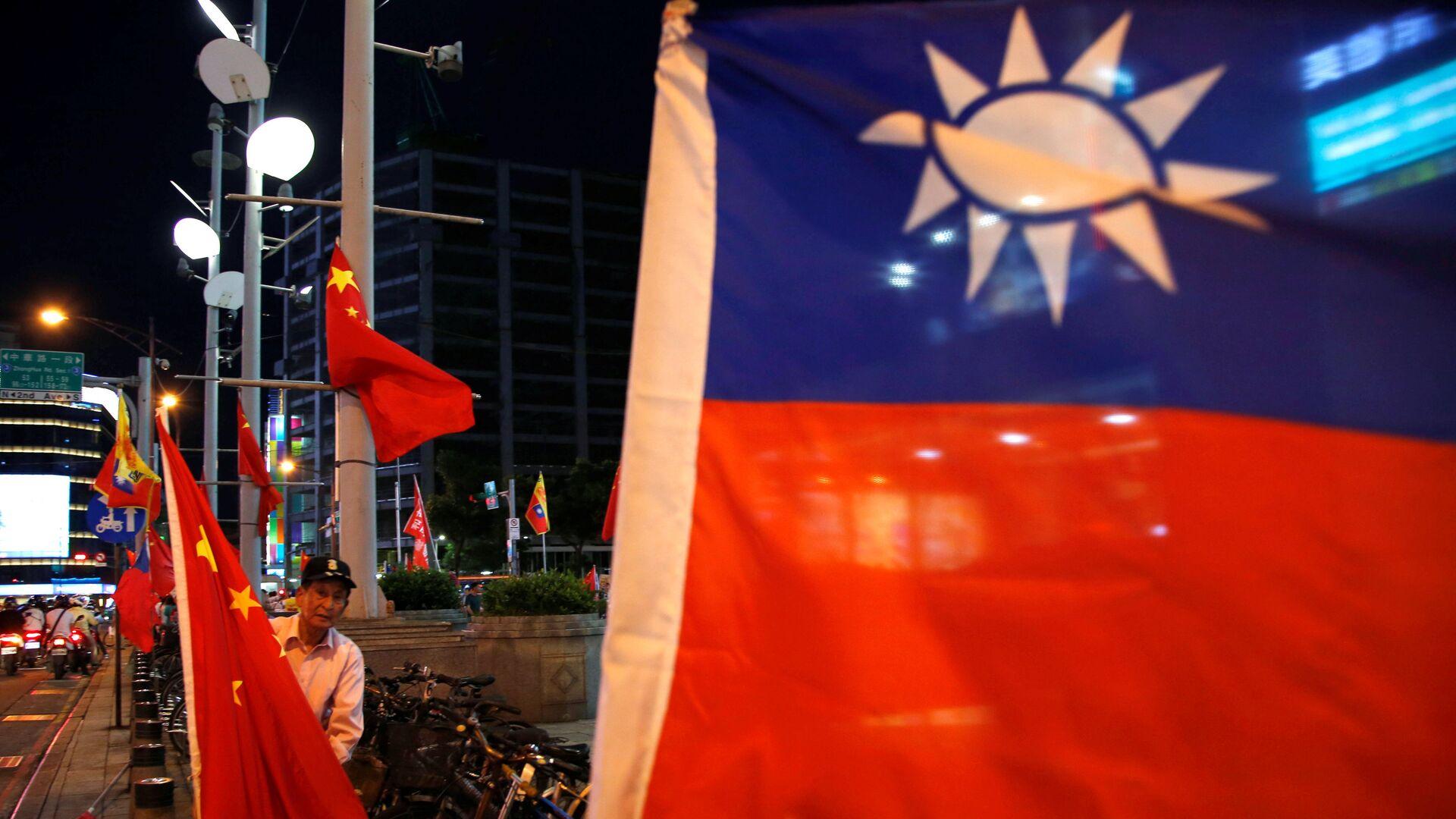 Banderas de Taiwán y China - Sputnik Mundo, 1920, 23.09.2021
