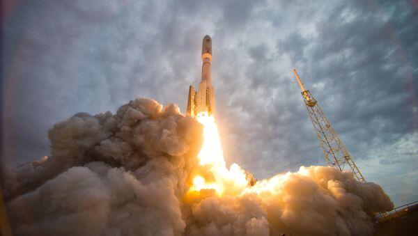 El lanzamiento de un cohete Atlas V (Archivo) - Sputnik Mundo