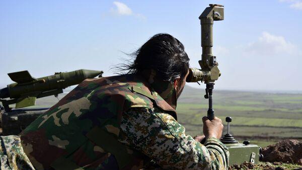 Militar del Ejército sirio - Sputnik Mundo