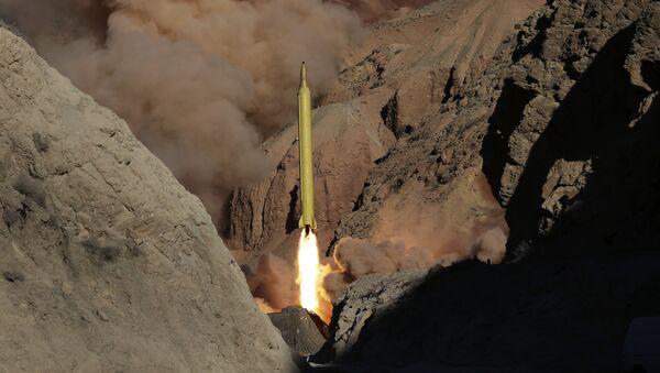 Irán lanza un misil balístico, el 9 de marzo de 2016 - Sputnik Mundo