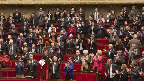 Senadores franceses - Sputnik Mundo
