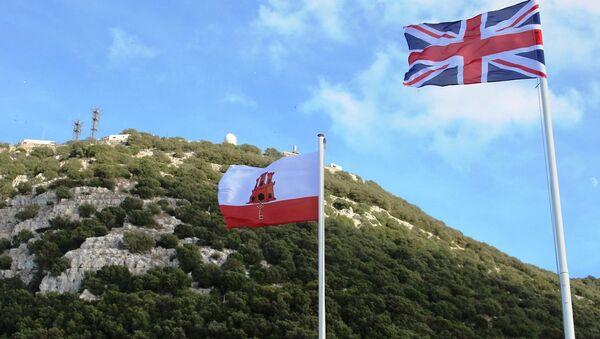 Banderas de Reino Unido y Gibraltar - Sputnik Mundo
