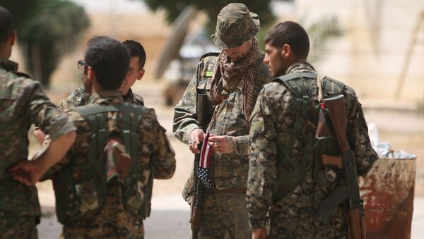 Militares estadounidenses cerca de Al Raqa, Siria (archivo) - Sputnik Mundo