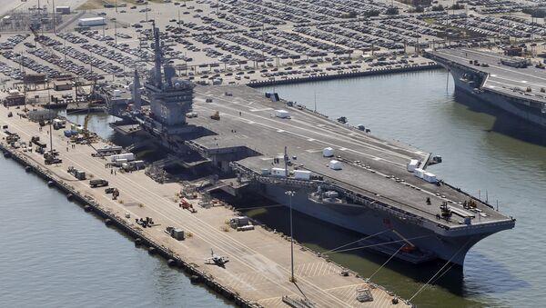 El portaaviones estadounidense Eisenhower - Sputnik Mundo