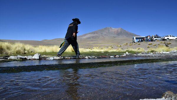 Aguas del Silala en Bolivia, cerca de la frontera con Chile - Sputnik Mundo