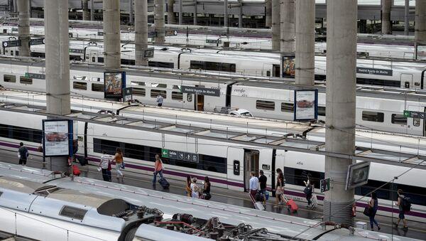 Estación de trenes en Madrid - Sputnik Mundo