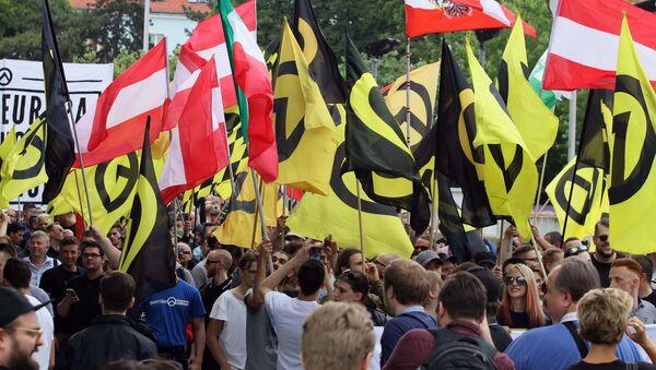 Enfrentamientos entre ultraderecha y antifascistas en Viena - Sputnik Mundo