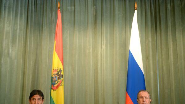 Banderas de Bolivia y Rusia - Sputnik Mundo