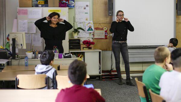 Lección en una escuela alemana - Sputnik Mundo