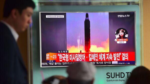 El lanzamiento de un misil por Corea del Norte (archivo) - Sputnik Mundo