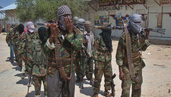 Combatientes de Al Shabab en Mogadiscio, Somalia (archivo) - Sputnik Mundo