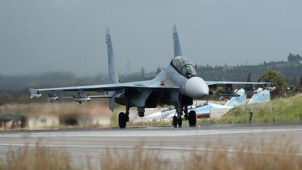 Un Su-30 ruso en Siria (archivo) - Sputnik Mundo