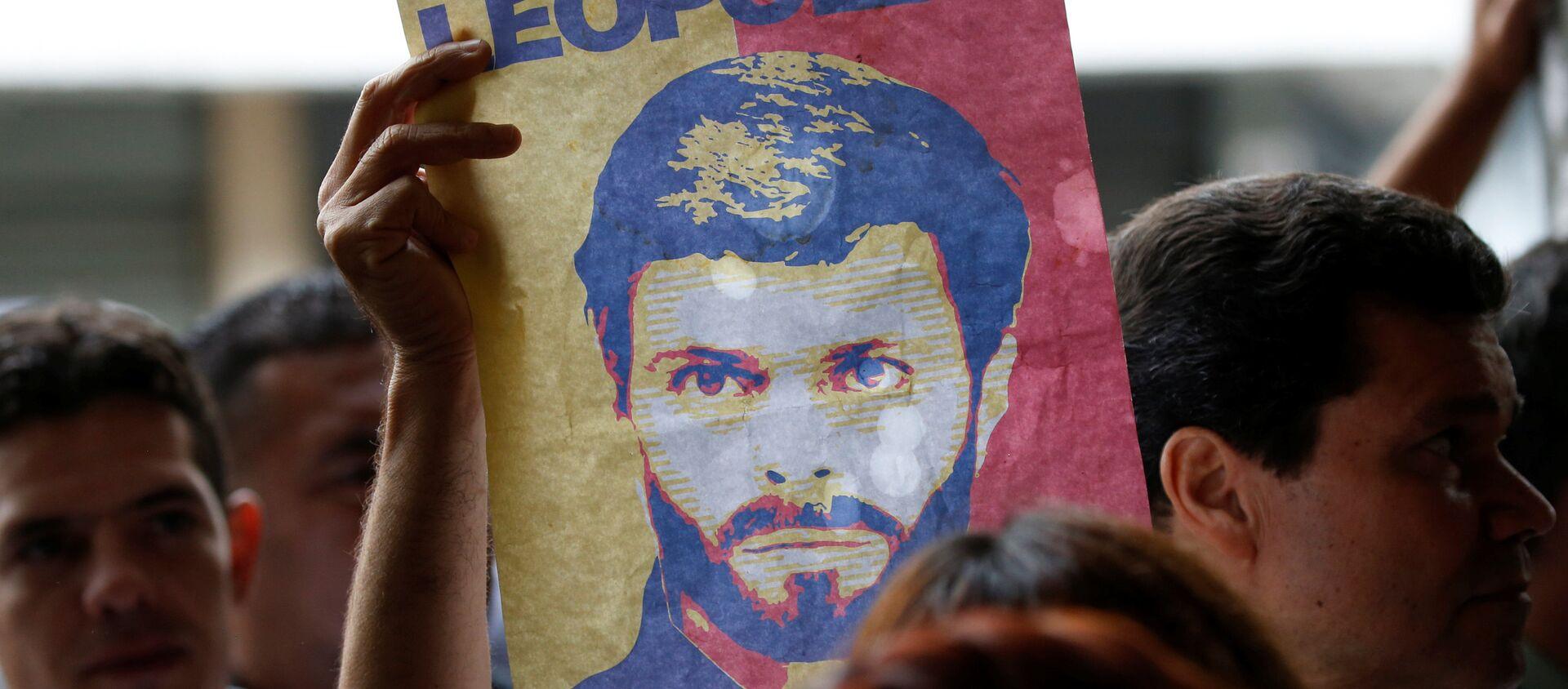 Un cartel con el retrato de Leopoldo López - Sputnik Mundo, 1920, 26.10.2020