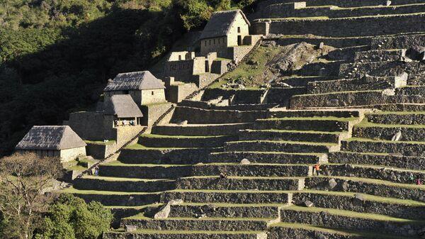 Antiguas construcciones residenciales en Machu Picchu. - Sputnik Mundo