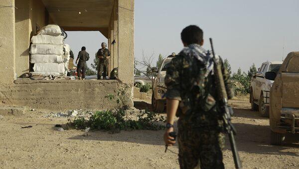 Milicianos kurdos en el norte de Siria (archivo) - Sputnik Mundo