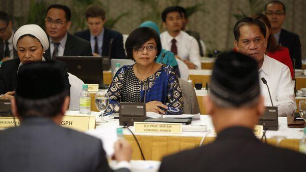 Miriam Coronel Ferrer, participante de las negociaciones entre el Gobierno de Filipinas y el Frente Moro Islámico de Liberación - Sputnik Mundo