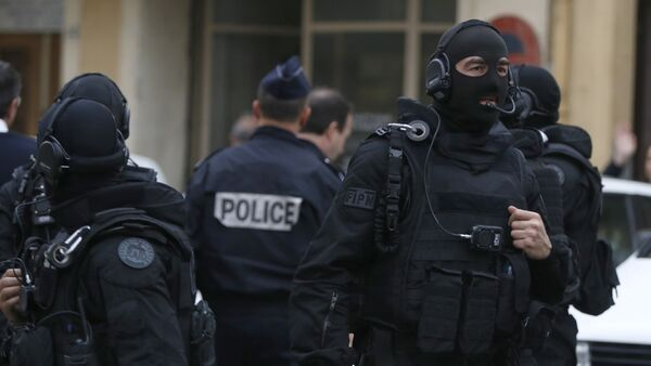 Policía francesa (archivo) - Sputnik Mundo