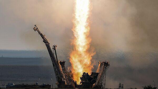Lanzamiento del cohete-portador Soyuz (archivo) - Sputnik Mundo