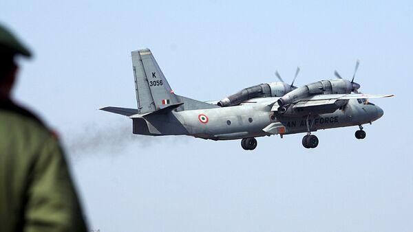 Un avión An-32 de la Fuerza Aérea de la India en despegue (archivo) - Sputnik Mundo