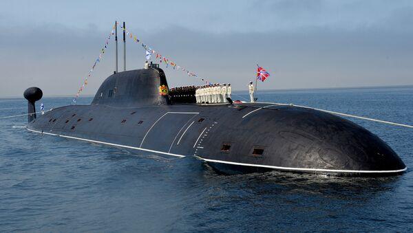 Oficiales de la Armada rusa en la cubierta del submarino nuclear 'Kuzbass'. - Sputnik Mundo