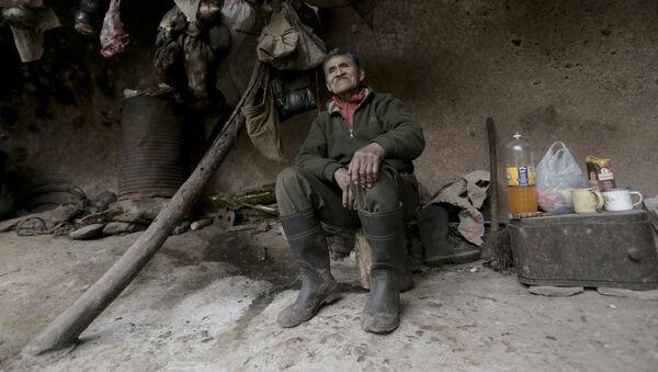 Pedro Luca, el ermitaño argentino que vive en una cueva desde hace 40 años - Sputnik Mundo