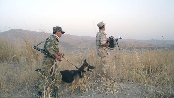 Guardias fronterizos tayikos - Sputnik Mundo