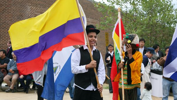 Desfile de los niños de las Banderas de América Latina - Sputnik Mundo