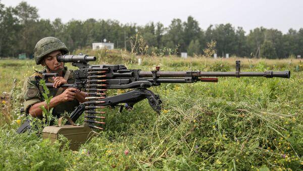 Unos 3.000 militares participan en maniobras tácticas en Transbaikalia - Sputnik Mundo