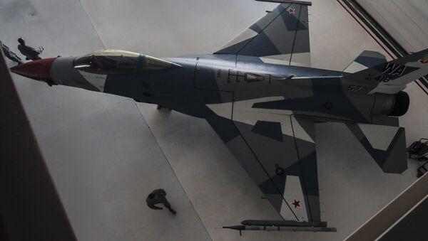 F-16-Jets mit Su-35-Camouflage - Sputnik Mundo