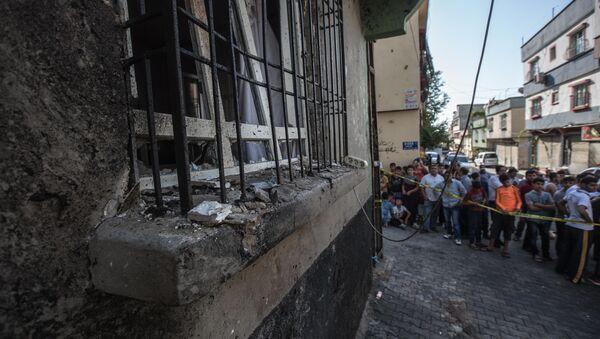 El lugar de atentado en Gaziantep - Sputnik Mundo
