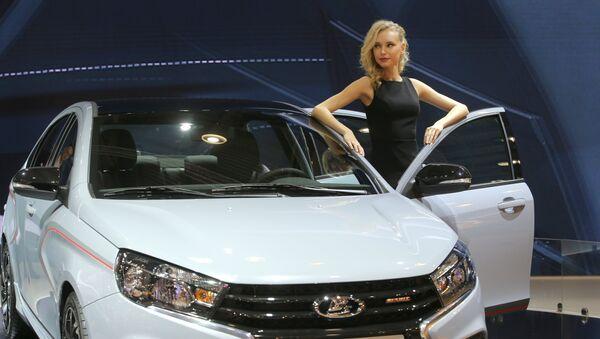 Lada Vesta, coche de la producción rusa - Sputnik Mundo
