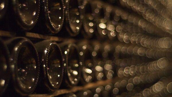Botellas de champán - Sputnik Mundo